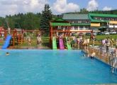 Bazén a skluzavky